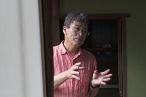 日本庭園のポイントを語る鍔教授